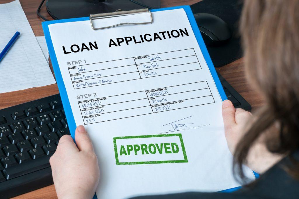 Zapytania kredytowe składane do bazy BIK przez banki oraz firmy pożyczkowe powinny szczególnie interesować konsumentów. Bo właśnie te zapytania mogą wpływać na ocenę ryzyka konsumenta.