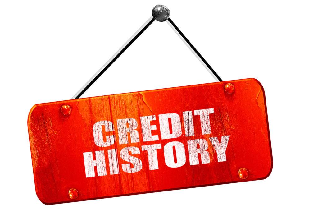 Poręczając kredyt często pogarszamy swoją historię kredytową