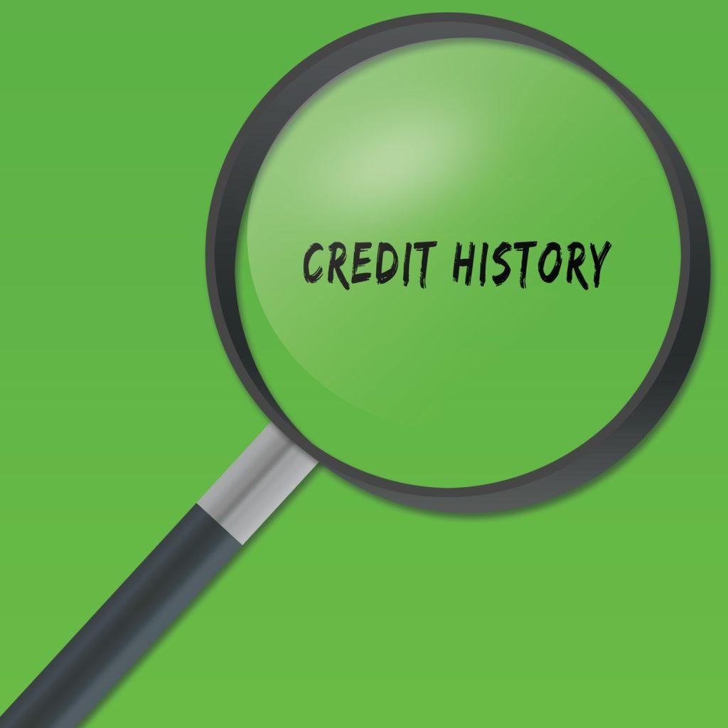"""Liczba zapytań kredytowych może wpływać na nasz """"scoring BIK"""". Dlatego warto znać warunki ich przetwarzania i udostępniania przez BIK."""