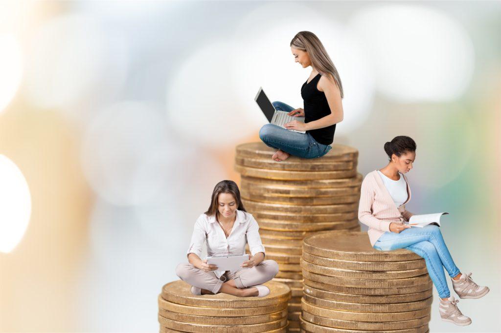 Zdecydowana większość Polaków korzysta z kredytów w sposób odpowiedzialny – kredytuje się w niewielkim stopniu, a podjęte zobowiązania wypełnia terminowo. Ale nie wszyscy.
